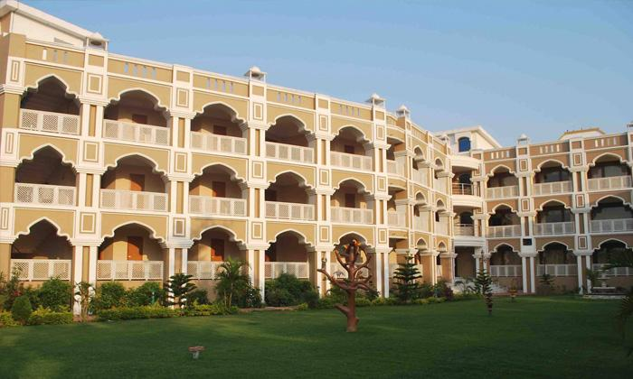 Lucky India Royal Heritage Hotel at Rs 6249