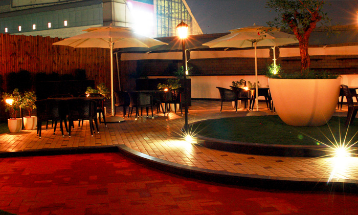 Brewer Street - Best rooftop restaurants in Delhi, open terrace restaurants in Delhi, outdoor restaurants in Delhi