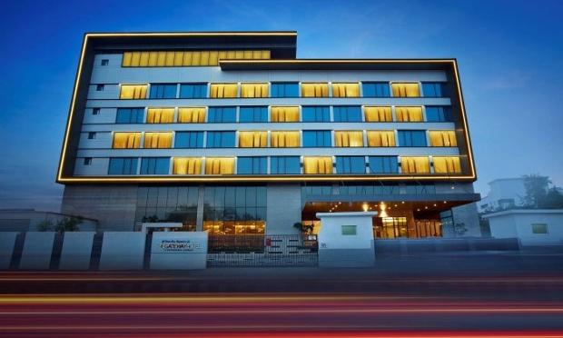 Buzz-Gateway Hotel